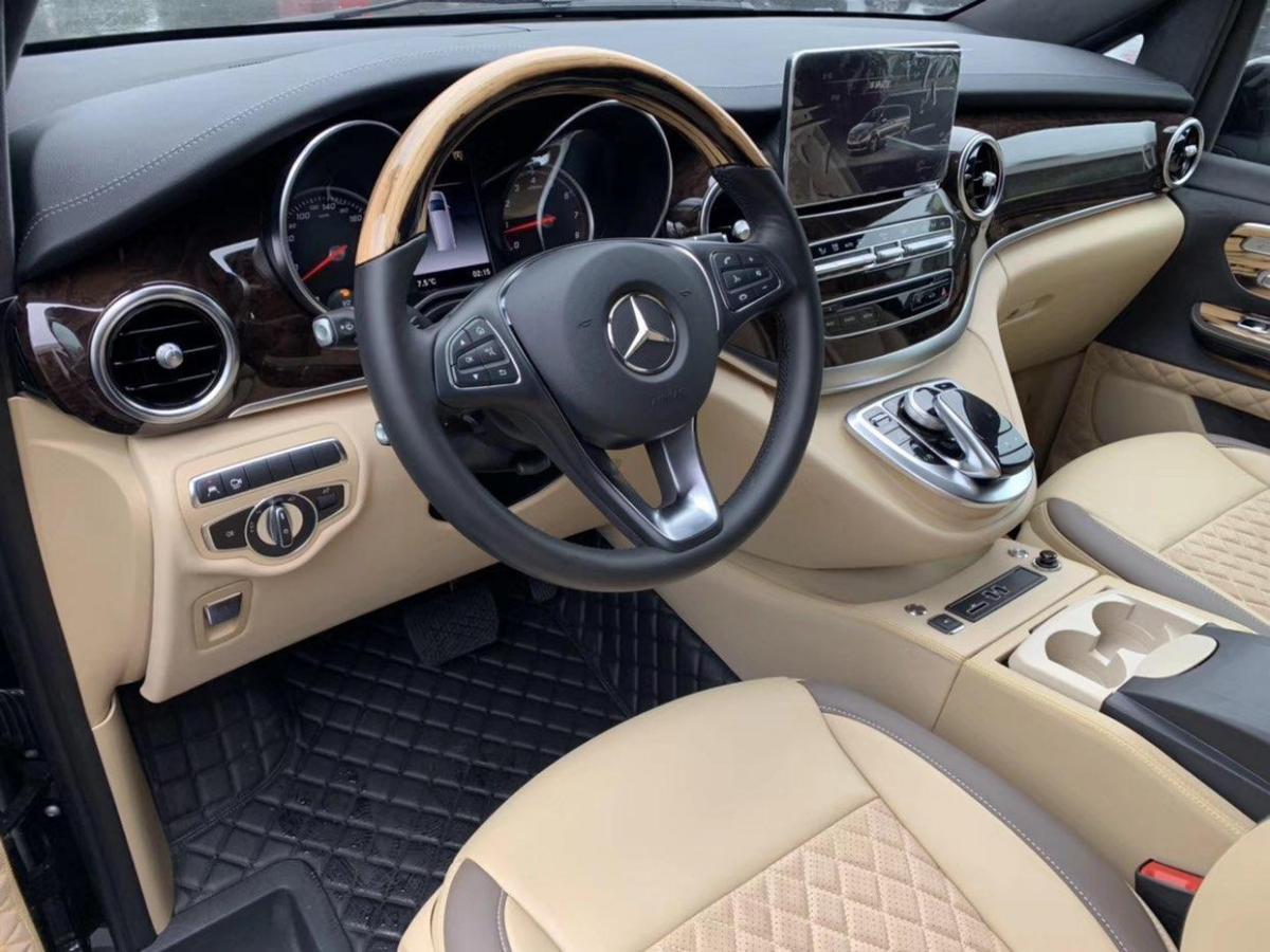 奔驰 V级  2018款 V260L 尊贵加长版图片