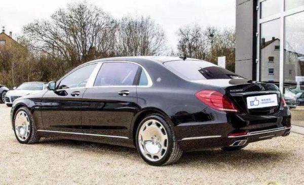 二手2015款奔驰迈巴赫S600 价格318万元