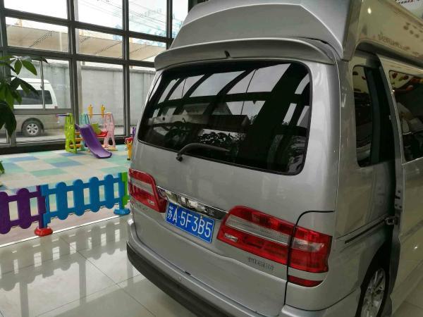 【上海】2016年3月 金杯 阁瑞斯 御领 2.7 旗舰型 银灰 自动档