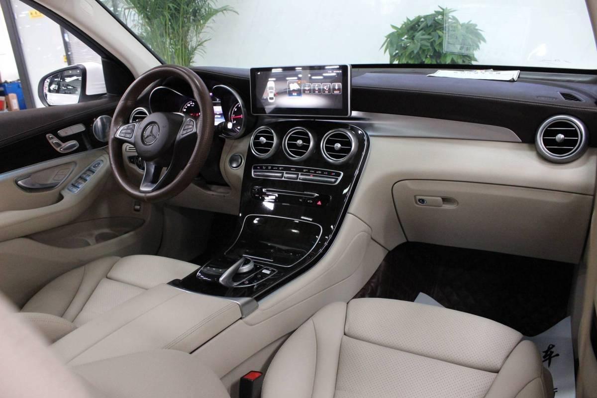 奔驰 奔驰GLC  2017款 GLC 260 4MATIC 动感型图片