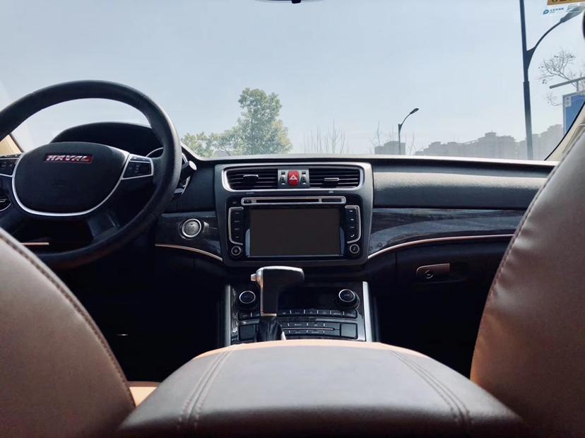 哈弗 H8  2016款 2.0T两驱舒适型图片