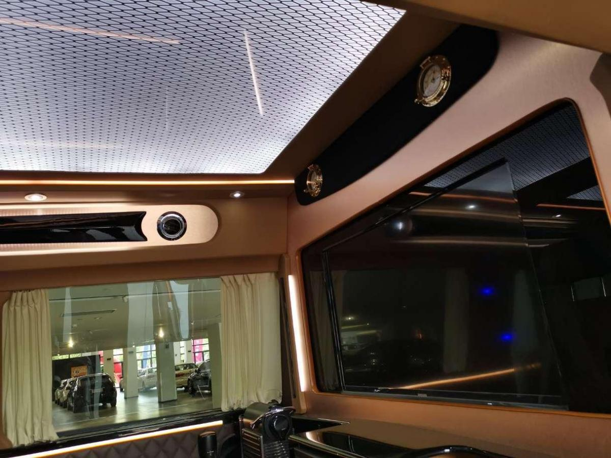 奔驰 威霆  2016款 2.0T 商务版图片