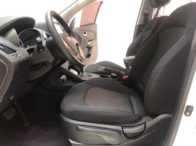 现代 ix35  2015款 2.0L 自动两驱舒适型 国IV图片
