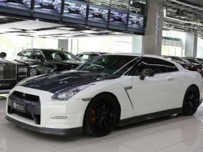 日产 GT-R  3.8T Premium Edition 棕红内饰