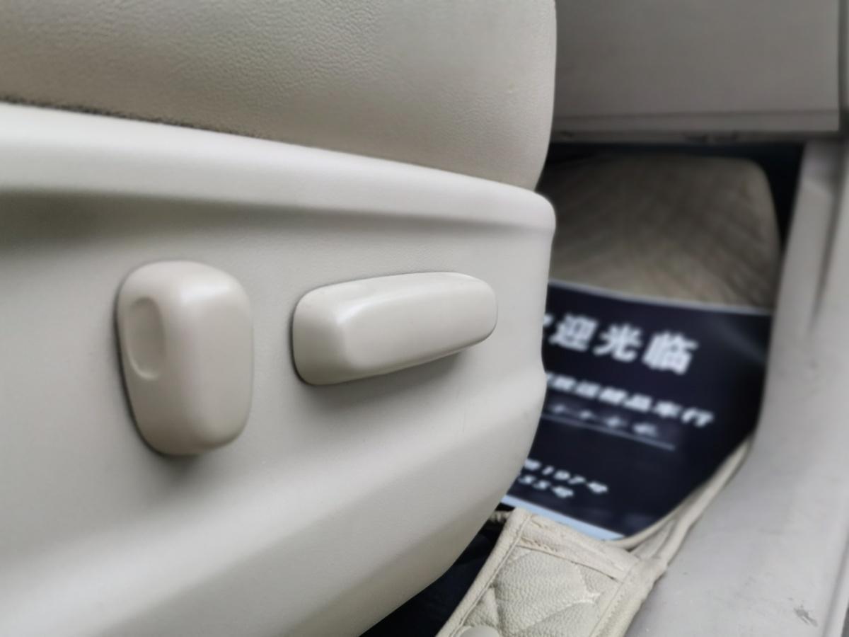 丰田 威飒  2013款 2.7L 四驱豪华版图片