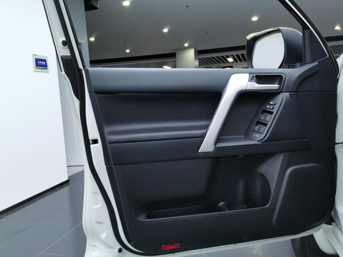豐田 普拉多  2018款 3.5L 自動TX-L后掛備胎圖片