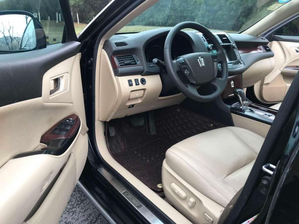 丰田 皇冠  2010款 2.5L Royal 真皮天窗版图片