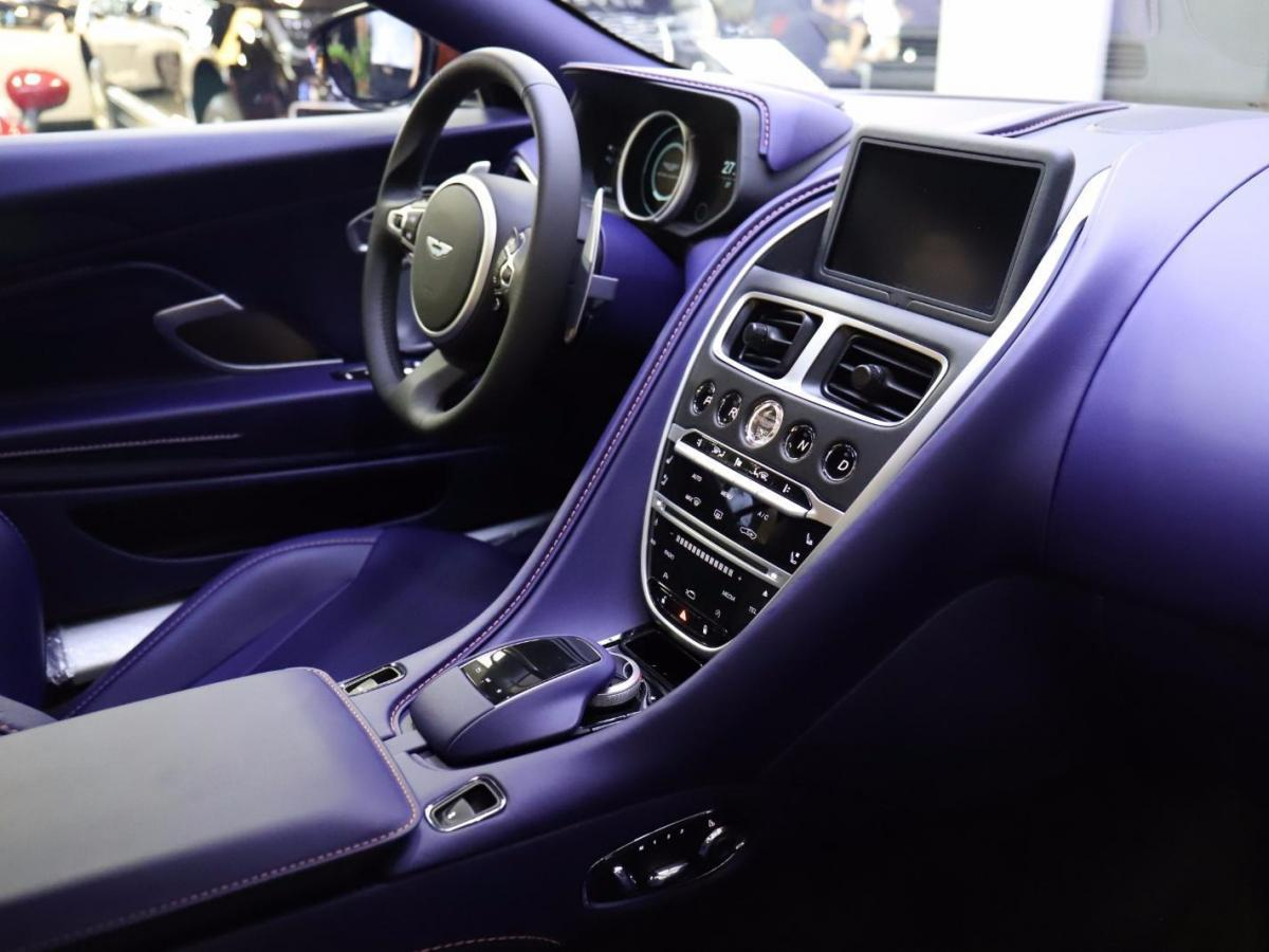 阿斯顿·马丁 阿斯顿・马丁DB11  2020款 4.0T V8 Volante图片