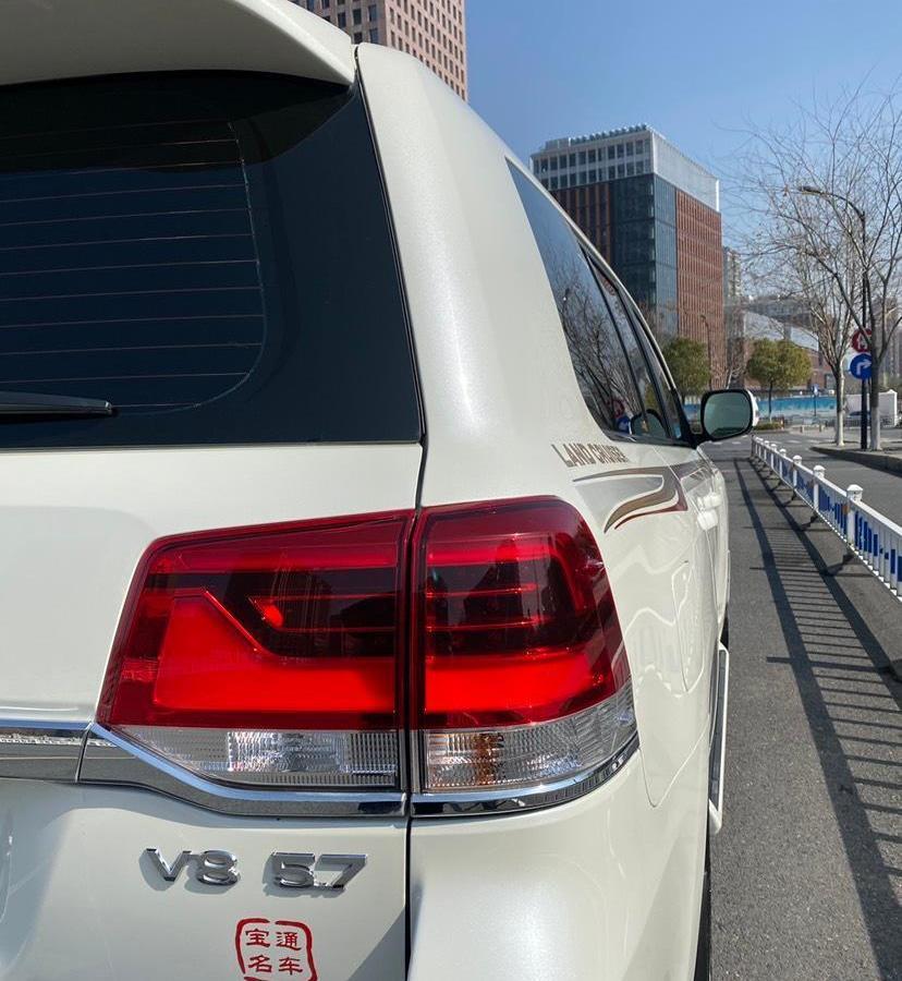 丰田兰德酷路泽 5.7L  VX-R 12气 无底升(中东)图片