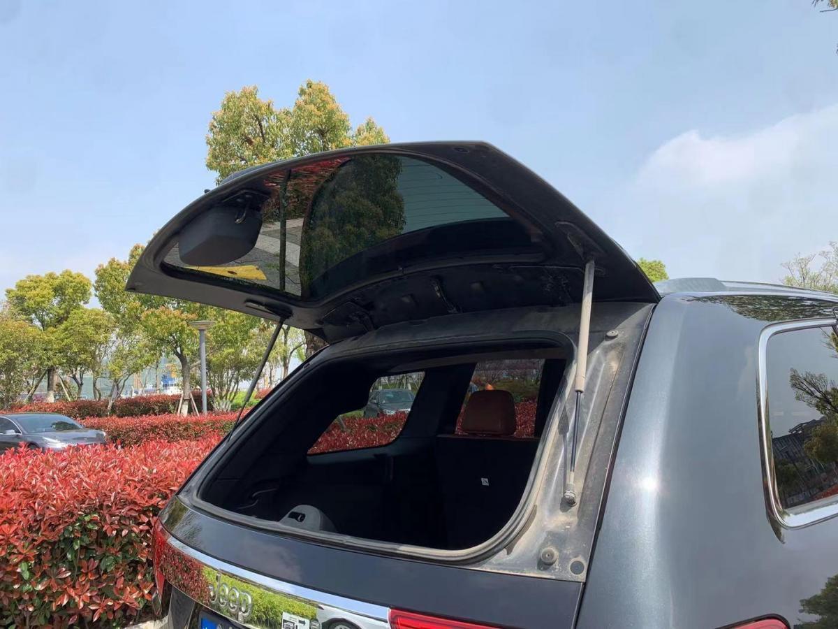 Jeep 大切诺基  2013款 3.6L 旗舰尊崇版图片