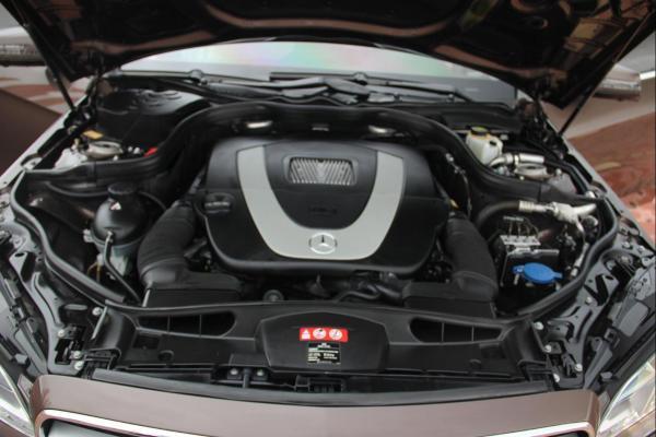 奔驰 E级  E300L 3.0L 运动型图片