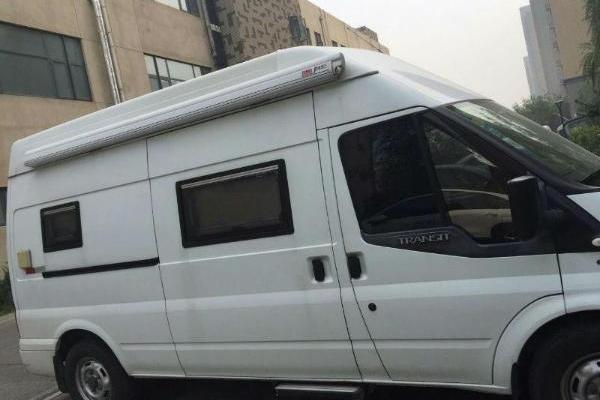 【烟台】2012年3月 福特全顺新世代房车. 白色 手动挡