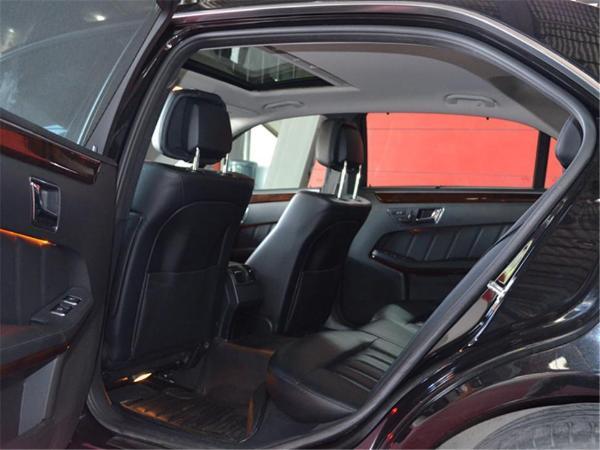 奔驰 E级  E300L 3.0L 优雅型图片