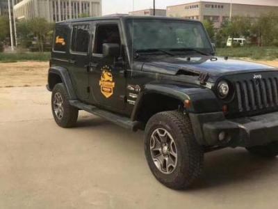 Jeep 牧马人  3.8L 自动档 四门图片