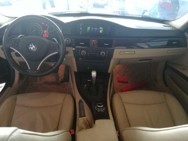 宝马 宝马3系  2011款 325i 2.5L 豪华型图片
