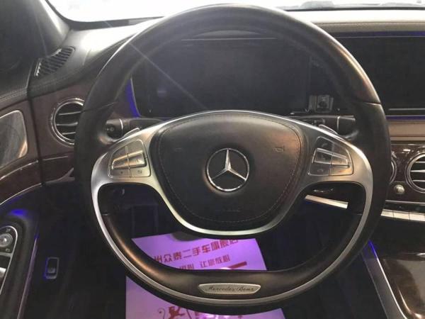 奔驰 S级  S320L 3.0T 豪华型图片