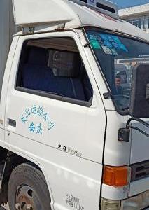 江鈴冷藏車圖片