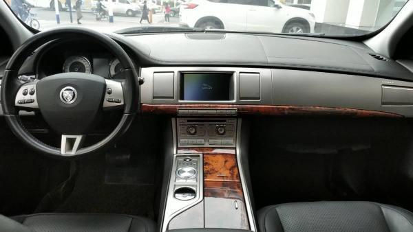 捷豹 XF  3.0L图片