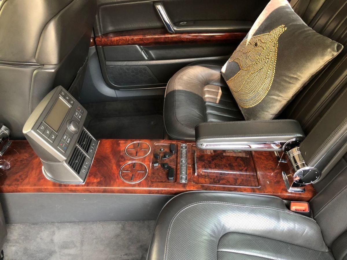 大众 辉腾 辉腾w12四座6.0排量,史泰龙同款。图片