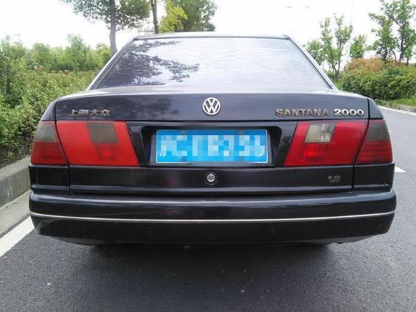 【上海】2002年9月 大众 桑塔纳 2000 1.8 gsi 时代骄子 黑色 手动挡