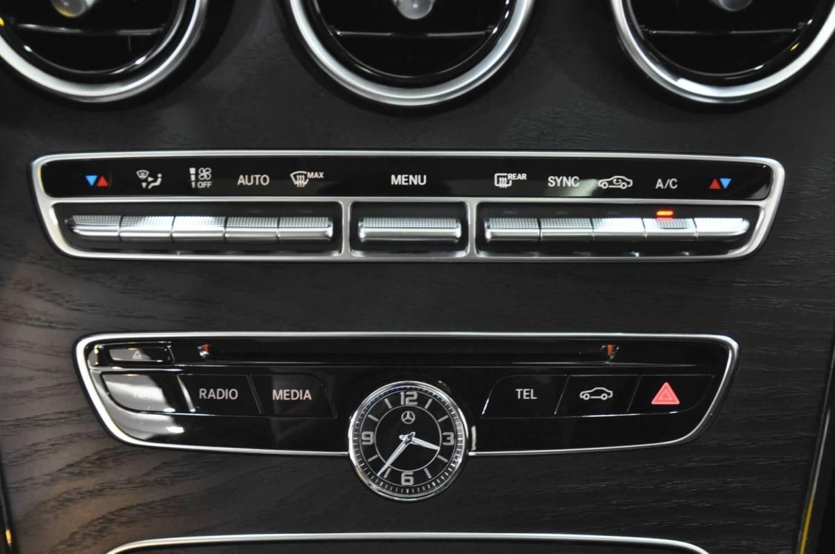 奔驰 奔驰C级  2018款 C 180 L 时尚型运动版图片