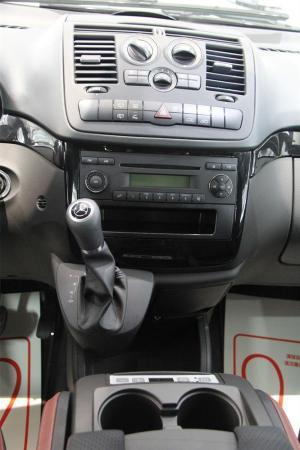 奔驰威霆cd机接线图