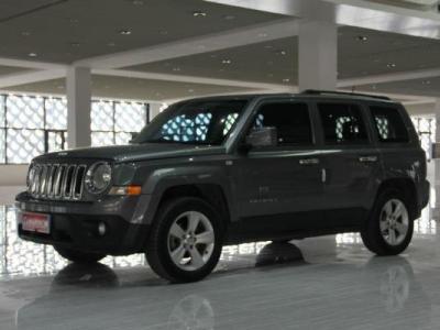 Jeep 自由客  2.4 运动版图片