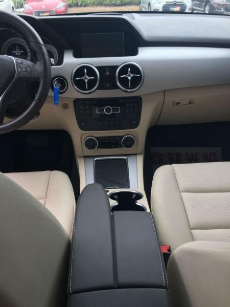 奔驰 GLK级  GLK300 3.0 四驱豪华型图片