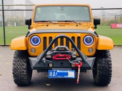 2014年10月 Jeep 牧马人  2.8TD Sahara 四门版图片