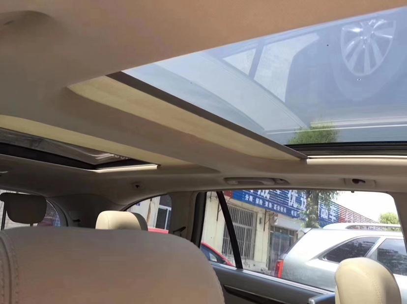 奔馳 奔馳R級  2010款 R 500 L 4MATIC圖片