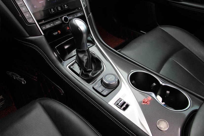 英菲尼迪 Q50  2014款 2.0T 舒适版图片