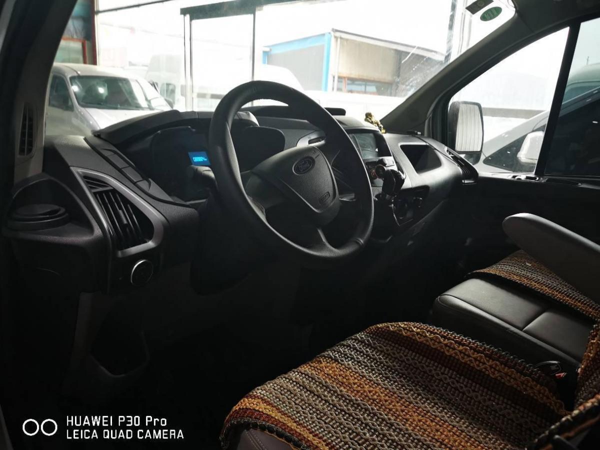 福特 全顺  2017款 2.0T柴油厢式运输车短轴低顶国V图片