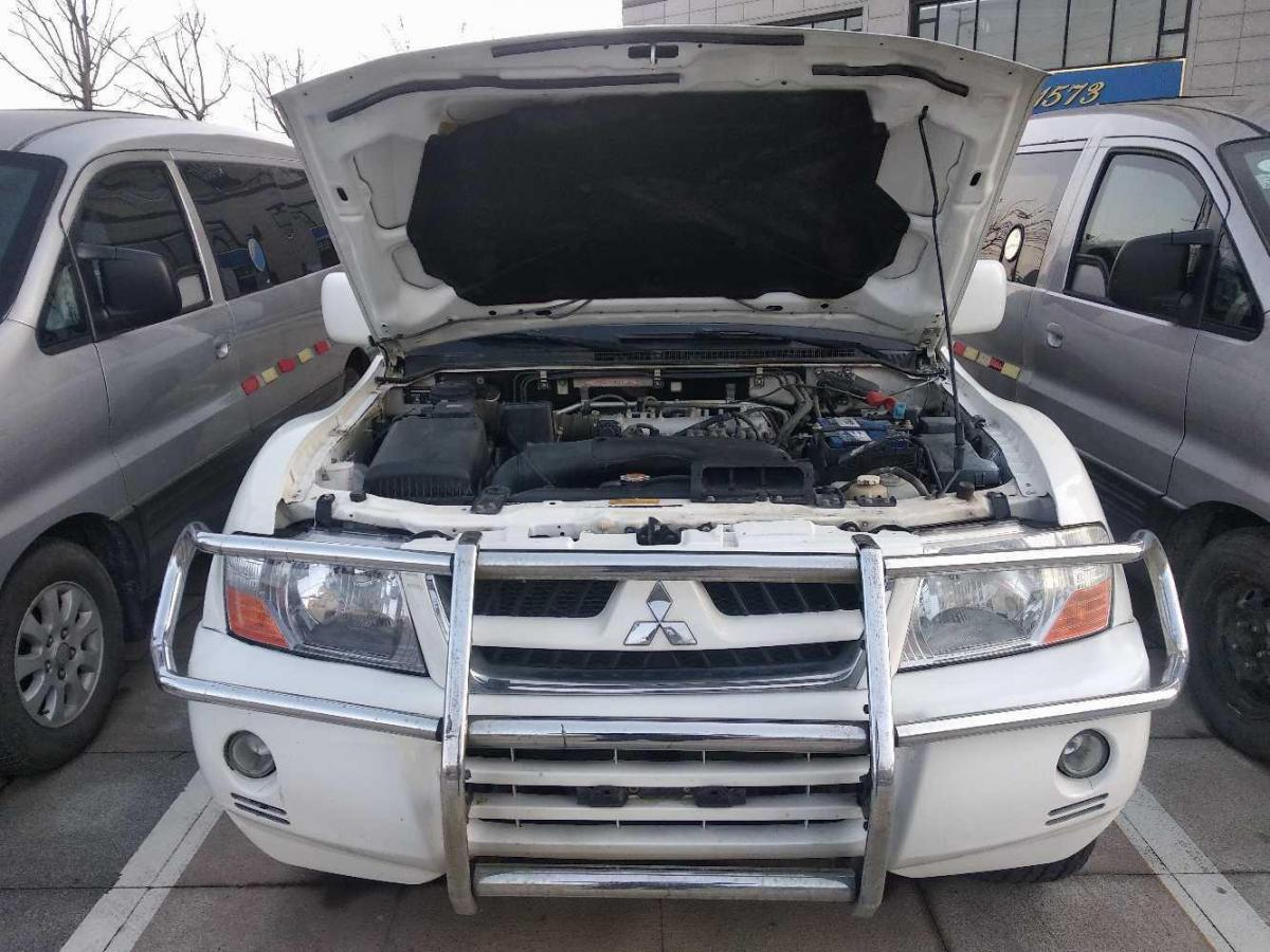 三菱 帕杰罗  2008款 V73 3.0L MT GLX图片
