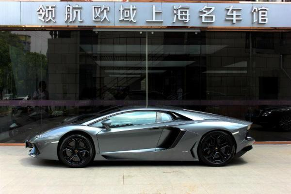 【上海】2015年5月 兰博基尼 埃文塔多 lp700-4 6.5 银灰 自动档