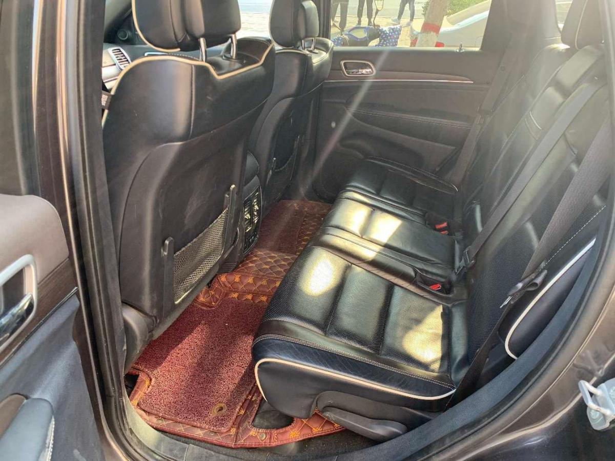 Jeep 大切诺基  2016款 3.6L 豪华导航版图片