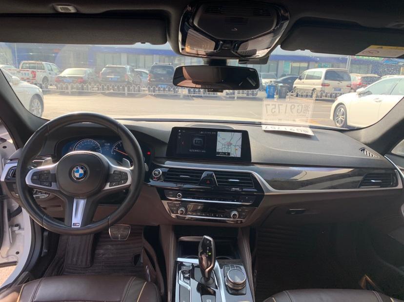 宝马 宝马5系  2018款 改款 530Li xDrive M运动套装图片