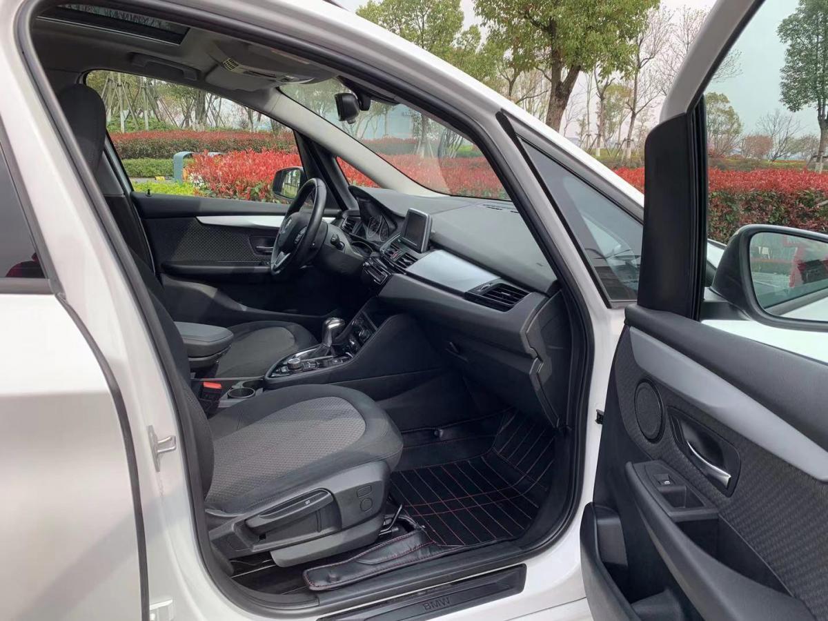 宝马 宝马2系多功能旅行车  2015款 218i 领先型图片