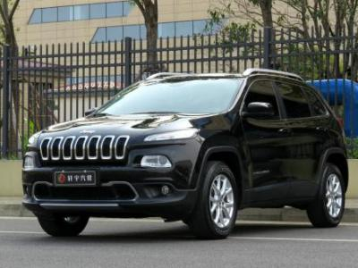 Jeep 自由光  2.4L 专业版+智能包图片
