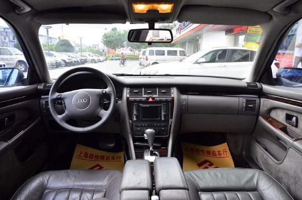 【上海】2002年2月 奥迪 奥迪a8 a8 4.2 quattro 300hp 黑色 自动档