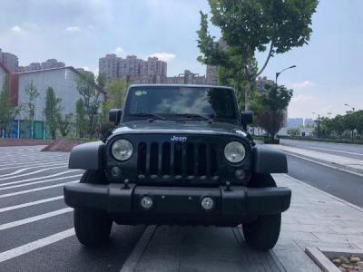 Jeep 牧马人  3.6L 两门图片