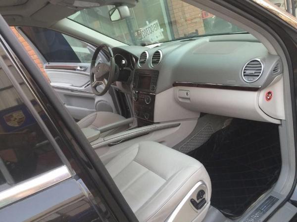 奔驰 GL级  GL450 4.7四驱经典型图片