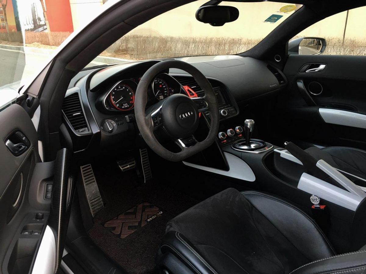 奥迪 奥迪R8  2013款 R8 Coupe 5.2 FSI Quattro中国专享型图片