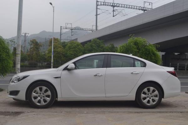 【温州】2016年4月别克君威1.6t精英技术型白色自动档奥迪a3车充电图片