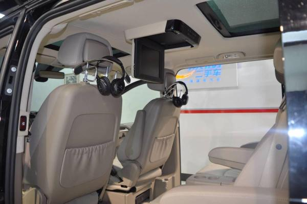 奔驰 唯雅诺  3.5L 卓越版图片
