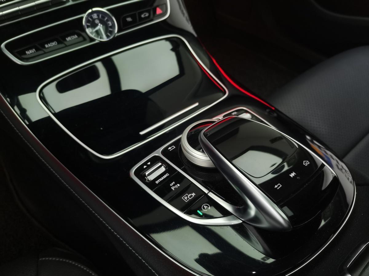 奔驰 奔驰E级  2017款 E 300 L 运动时尚型图片